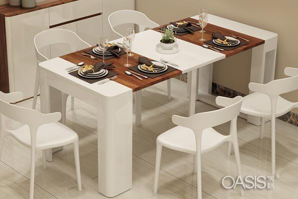 可伸缩餐桌